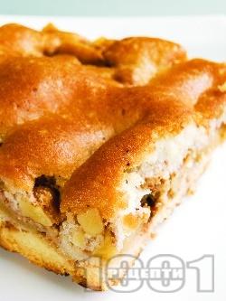 Бърз, лесен и вкусен домашен ябълков сладкиш (кекс) с чаени бисквити, орехи, масло и канела - снимка на рецептата